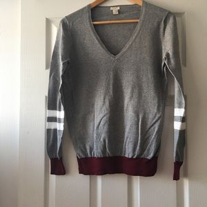 👗 J. Crew Lightweight V-Neck Sweater